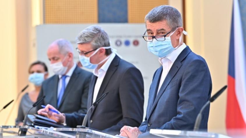 Počet nakažených koronavirem se zvýšil o 122 na 694. Ve středních Čechách se nakazilo 87 lidí