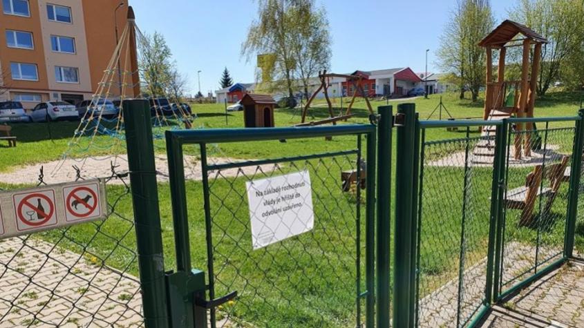 Dětská hřiště se otevírají veřejnosti
