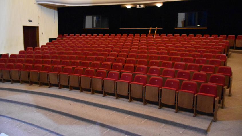 Koronavirus uspíšil rekonstrukci hlediště v příbramském divadle