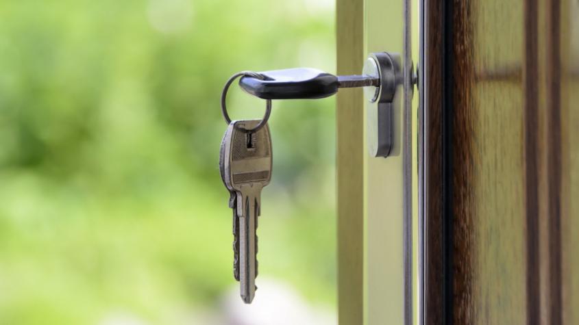 Vláda schválila návrh na zrušení daně z nabytí nemovitosti