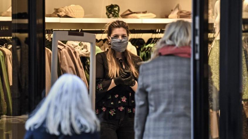 Na oblečení, které si lidé vyzkoušejí v obchodě, se nebude vztahovat karanténa