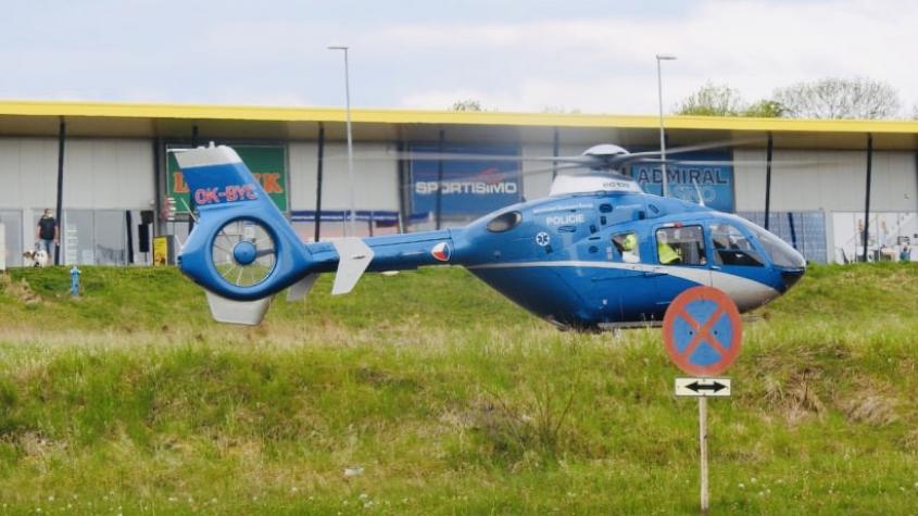 Pro pořezaného muže spěchal vrtulník