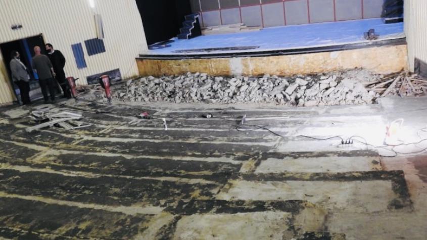 Stavební práce na výměně sedadel v divadle jsou zahájeny, rekonstrukce bude stát 9,4 milionu korun