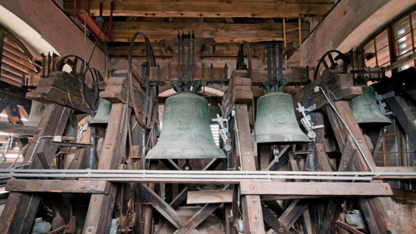 V poledne se rozezní zvony jako poděkování sestřičkám