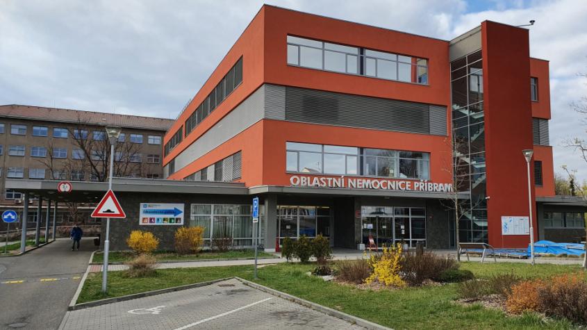 Na návštěvy do nemocnic po 25. květnu budou moci i děti