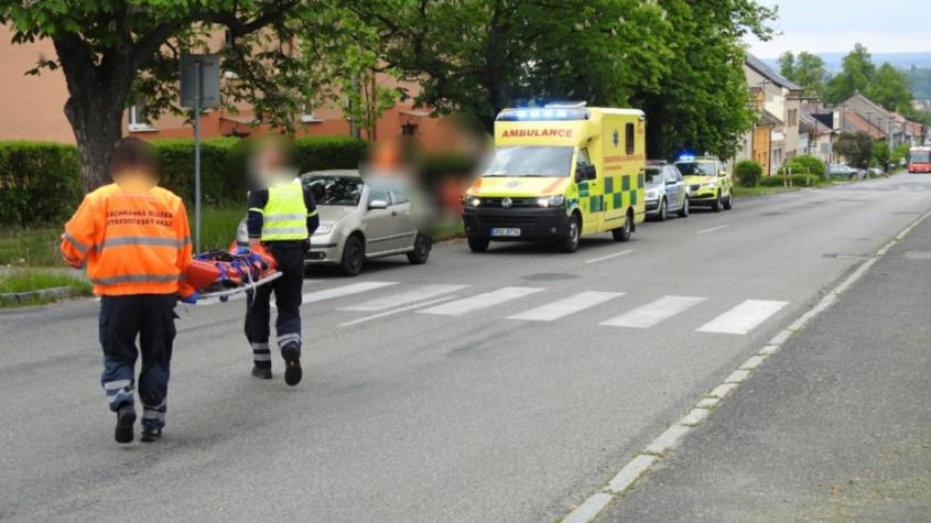 Policisté neznají totožnost cyklisty, kterého po pádu transportoval vrtulník do nemocnice