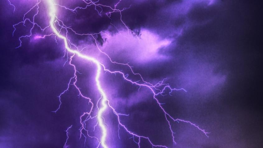 Meteorologové varují: V sobotu budou silné bouřky, hrozí krupobití