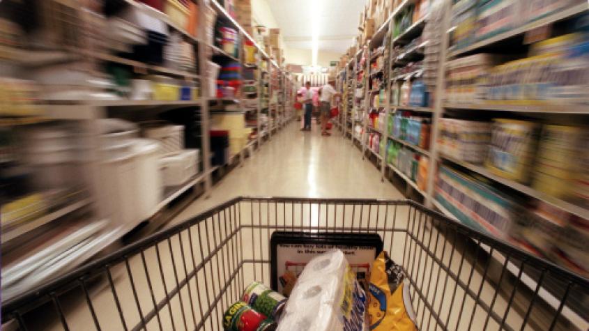 Za nouzového stavu ubylo 50 pct krádeží v obchodech s potravinami