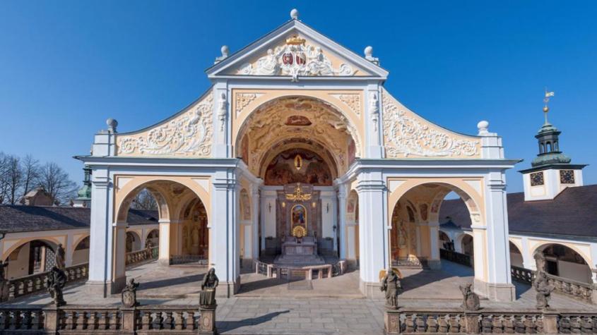 Víkend na Svaté Hoře bude patřit Korunovaci. Přijede také Dominik Duka