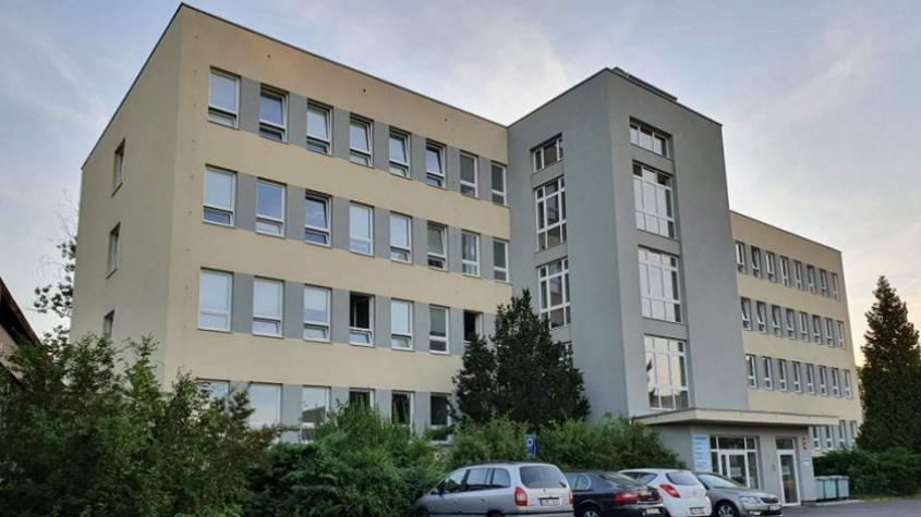 V budově léčebny dlouhodobě nemocných v příbramské nemocnici oznámil anonym bombu