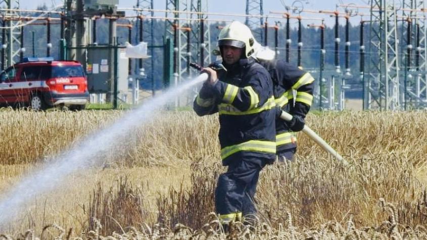 Hasiči vyjížděli k požáru vzrostlého obilí u Zbenic