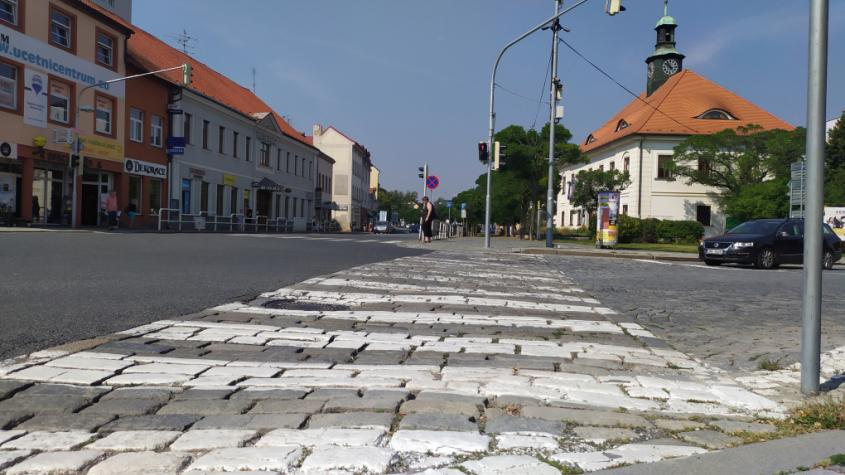 Pražská ulice v Dobříši projde rekonstrukcí, řidiči se zbaví tankodromu