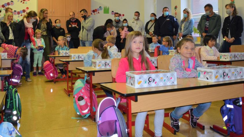 První školní den mají žáci za sebou