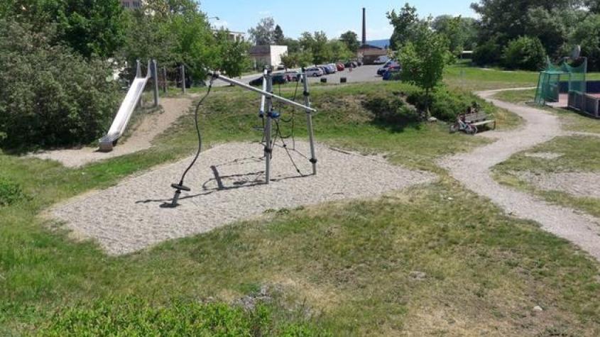 V Dobříši chybí hřiště pro malé děti, říkají zdejší obyvatelé