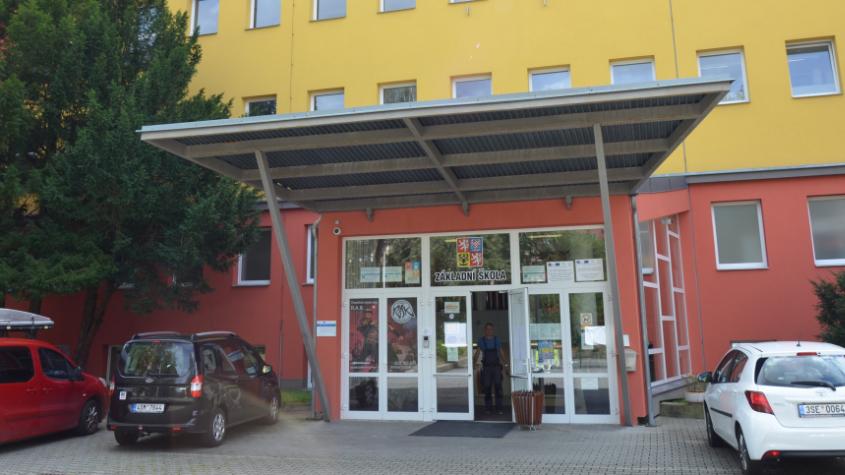 Koronavirus potvrzen na další základní škole v Příbrami