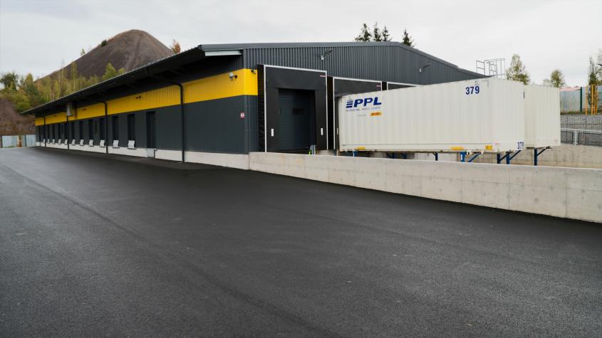 PPL otevřelo v Příbrami nové depo, odbaví až 4 500 zásilek denně