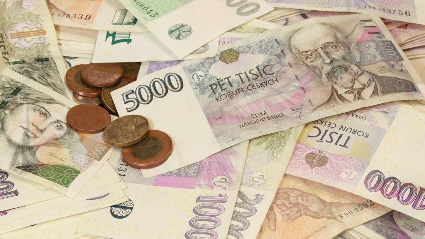 Rada schválila návratné bezúročné půjčky pro téměř 4 000 středočeských živnostníků