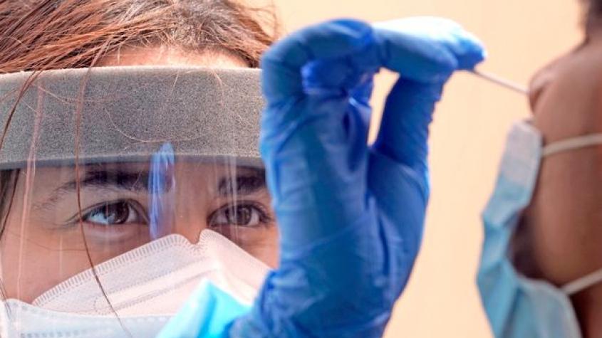Rekordní víkendový nárůst. Za sobotu v Česku přibylo 8713 nových případů koronaviru