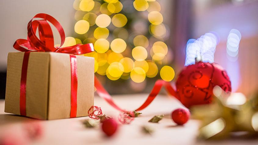 Vláda nechystá před Vánoci zavřít obchody