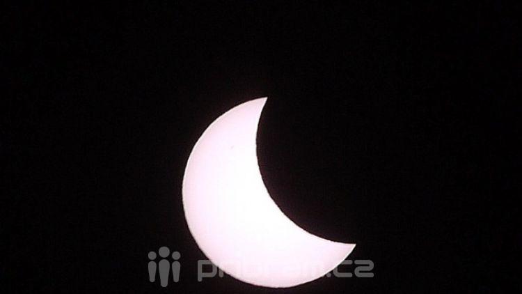 Foto dne: Slunce se zatmělo i nad Příbramí