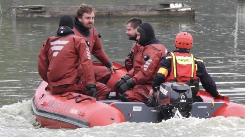Policisté pátrají po muži, který zmizel pod hladinou Orlíka