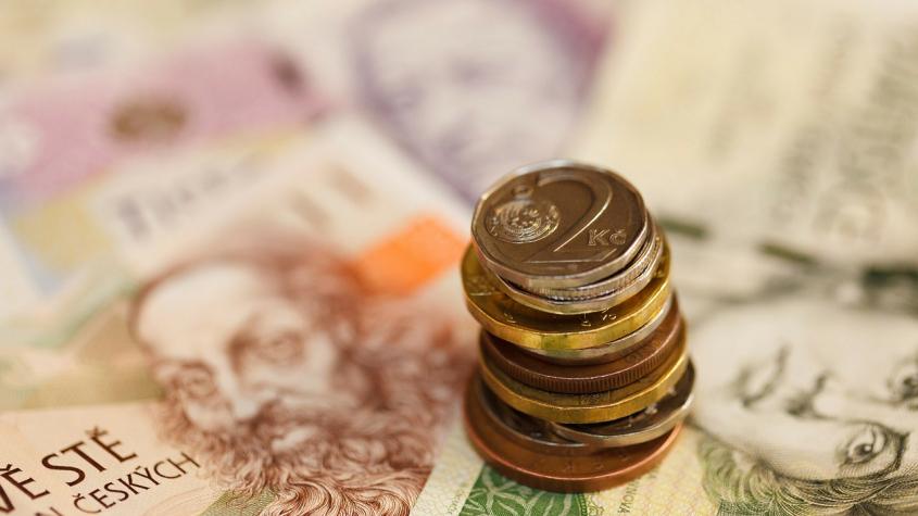Sněmovna schválila zrušení superhrubé mzdy. Nově mají platit sazby 15 a 23 procent
