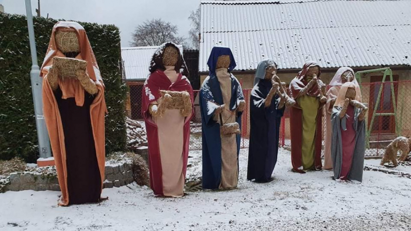 Rekordní betlém ze slámy opět ožil v Čenkově