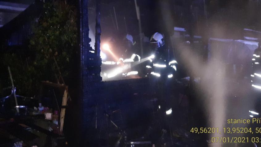 Hasiči likvidovali požár zahradního domku v Březnici