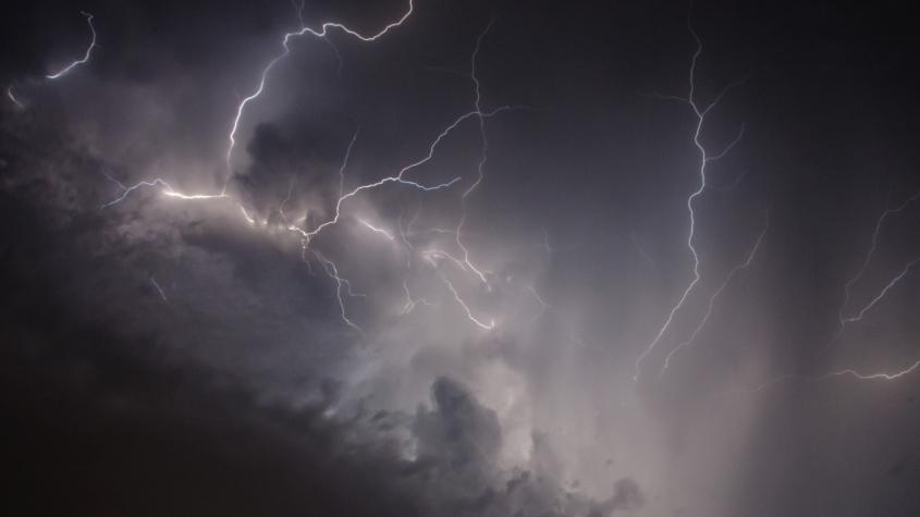 V noci se v Česku vyskytly bouřky, v zimě jsou spíše vzácné