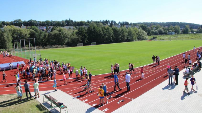 V Sedlčanech vloni dokončili přestavbu atletického areálu za 20 milionů korun. Letos je čeká sportovně rekreační areál v Luční ulici