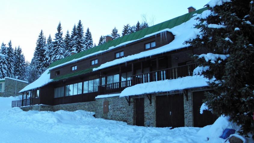 ŽIVĚ: Zastupitelé rozhodnou o prodeji chaty Granit na šumavském Zadově