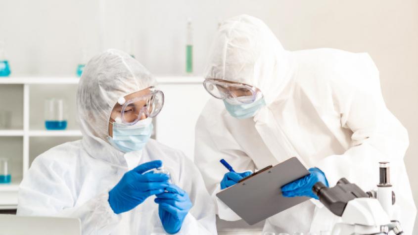 Laboratoř v Česku zaznamenala nakažlivější britskou mutaci koronaviru
