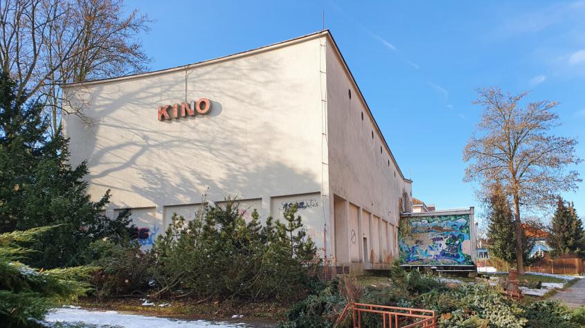 Dobříš zdemoluje budovu bývalého kina, na místě vznikne park
