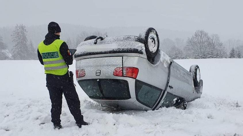 Sledujeme ON-LINE: Na Příbramsku komplikuje dopravu sněžení
