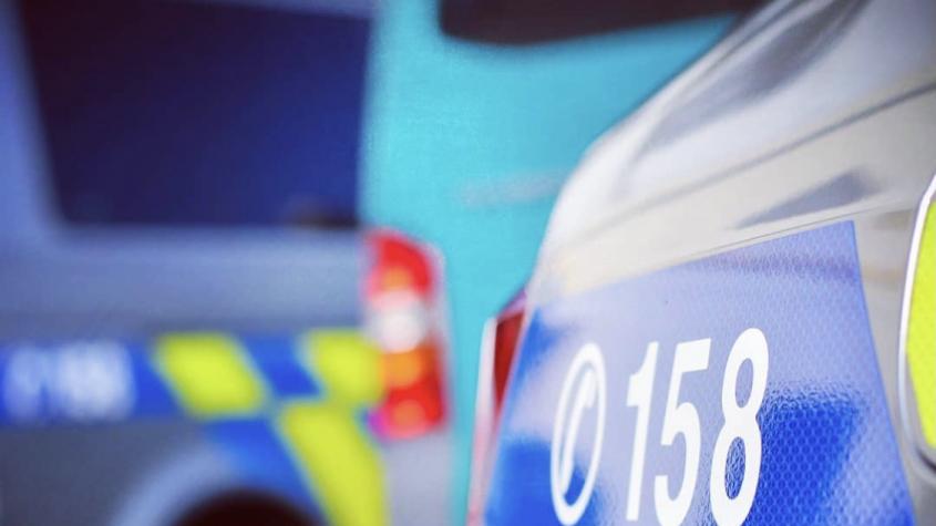 V Mníšku pod Brdy u dálnice D4 kdosi vykradl prodejnu se zahradní technikou, policisté hledají svědky