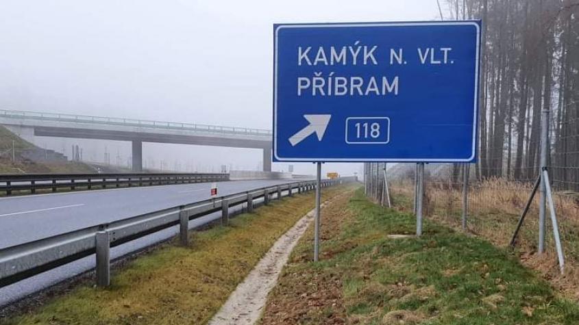 Poslanci dnes rozhodnou o výstavbě části dálnice D4 mezi Příbramí a Pískem