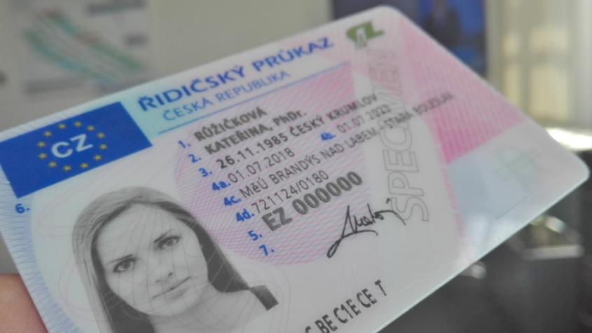 Platnost končících řidičských průkazů se prodlouží o 10 měsíců
