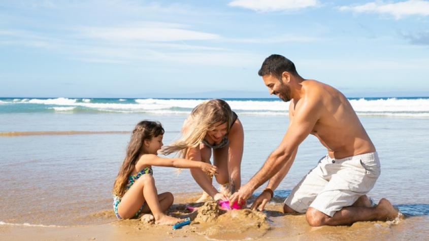 Lidé už nakupují letní dovolené. Zájezd lze zrušit bez storno poplatku i měsíc před odletem