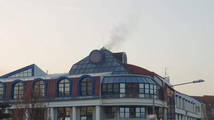 Hasiči vyjížděli k požáru soudu, jednalo se o kouř z komína