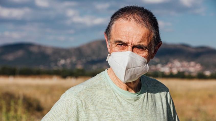 Stát dá potřebným zdarma 3 mil. respirátorů, schválila vláda