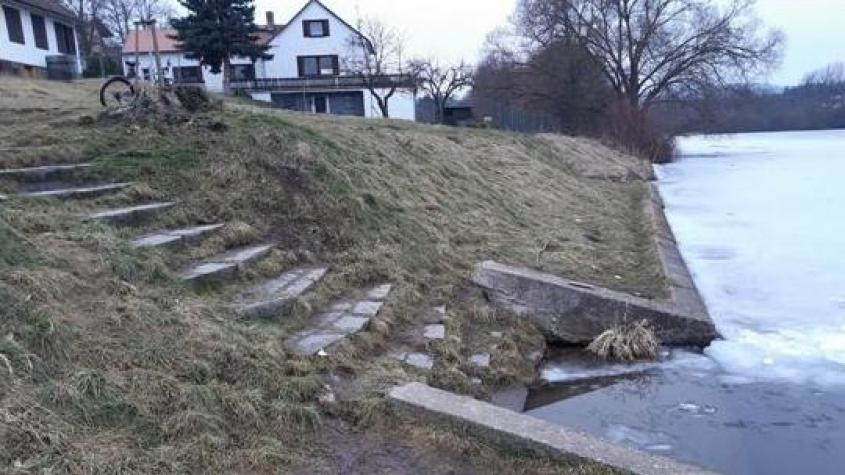 Dobříš bude mít nové přírodní hřiště a opraví schody do rybníka Papež
