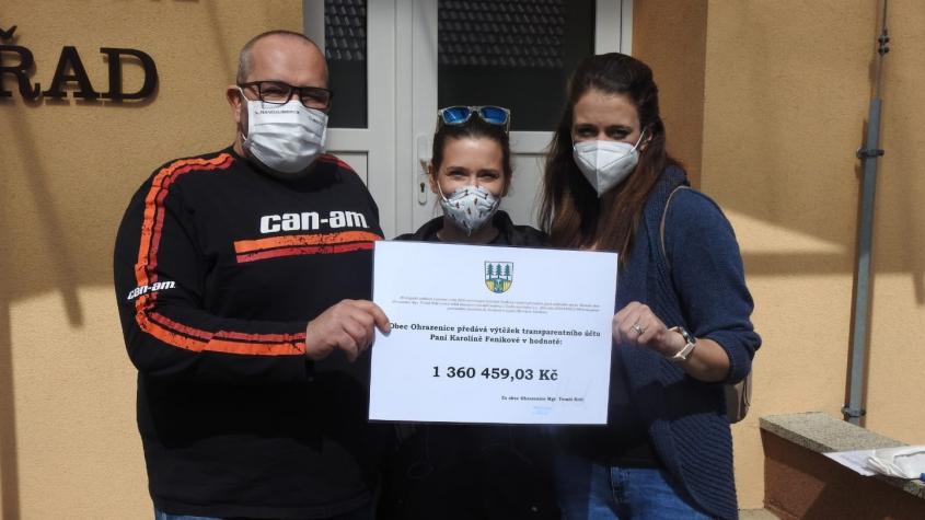 Pozůstalá po požáru v Ohrazenicích převzala peníze z transparentní sbírky