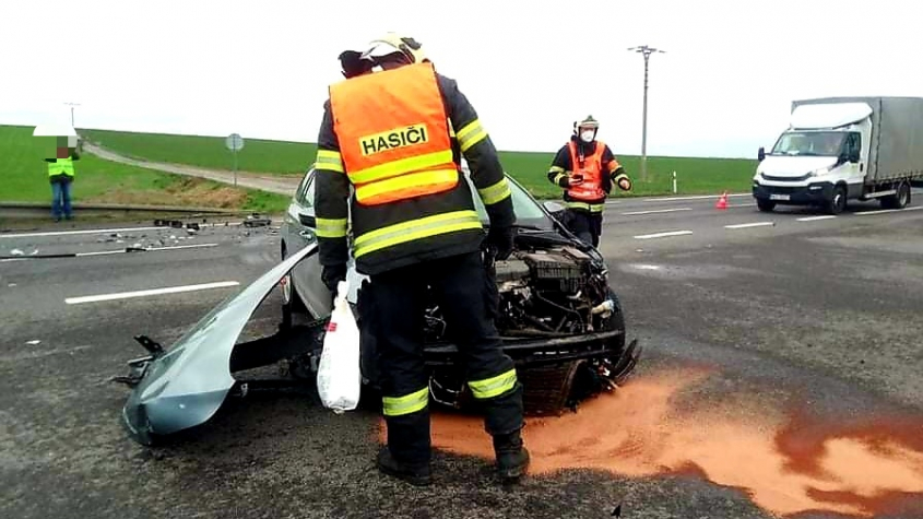 U Skalky havarovala dvě auta, nikdo se nezranil
