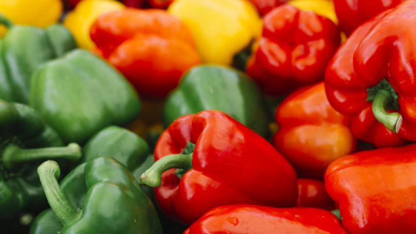 Z potravin v obchodech letos nejvíce zdražily papriky