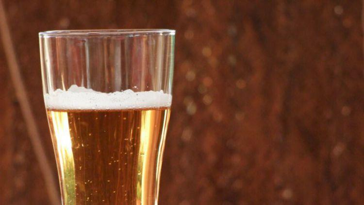 Tuning ve Dlouhé Lhotě: 4 řidiči pod vlivem alkoholu, 2 pod vlivem drog