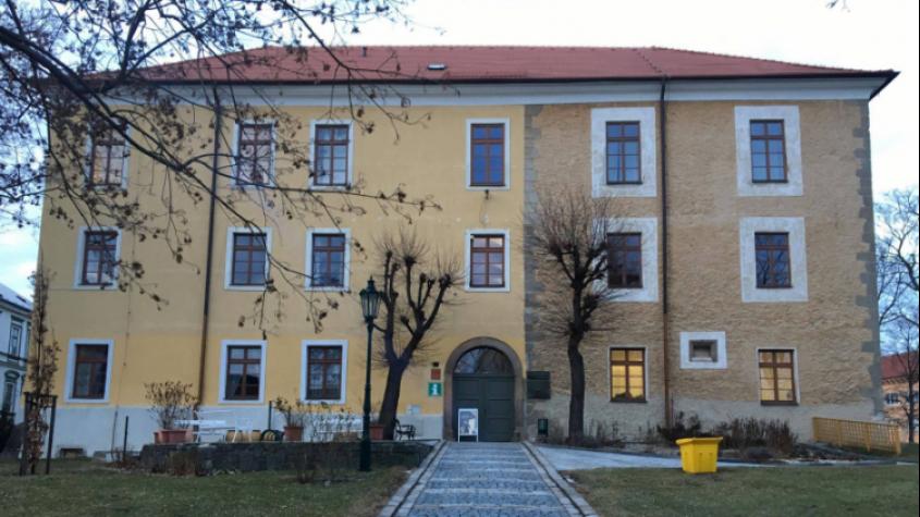 Ve středních Čechách se příští týden otevřou muzea, galerie a památky