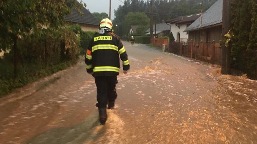 Deštivé počasí ovlivnilo počet zásahů ve Středočeském kraji