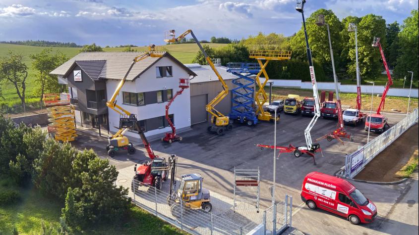 Firma Vondrášek pracovní plošiny se přestěhovala do nové provozovny v Milíně