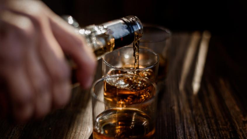 Loni vzrostl počet častých konzumentů alkoholu i průměrná roční spotřeba