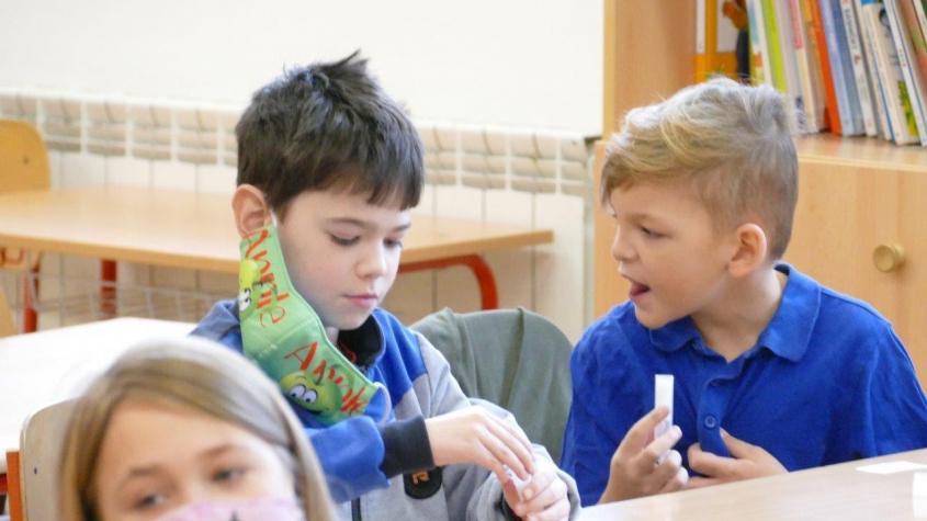 Žáci by se měli na začátku září třikrát testovat na covid-19